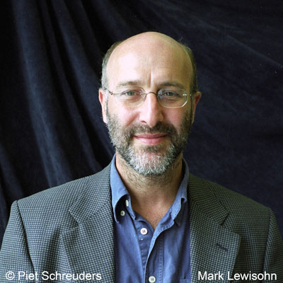 「mark lewisohn beatles」の画像検索結果
